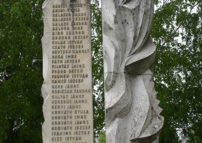 Lábod világháborús emlékmű 2009.04.21.küldő-Sümec (3)