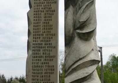 Lábod világháborús emlékmű 2009.04.21.küldő-Sümec (6)