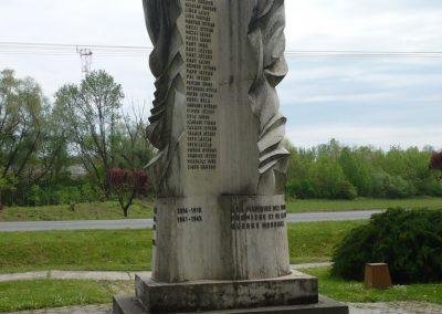 Lábod világháborús emlékmű 2009.04.21.küldő-Sümec (8)