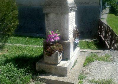Lápafő világháborús emlékmű 2012.04.28. küldő-miki (3)