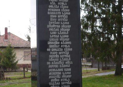 Látrány világháborús emlékmű 2009.12.09. küldő-Sümec (4)