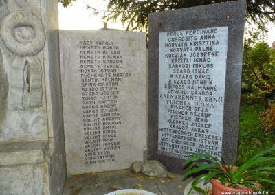 Lázi hősi emlékmű 2013.10.23. küldő-Méri (5)