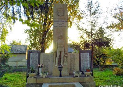 Lázi hősi emlékmű 2013.10.23. küldő-Méri (6)