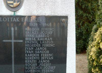 Lócs világháborús emlékmű 2011.02.23. küldő-Ágca (7)