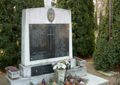Lócs világháborús emlékmű 2011.02.23. küldő-Ágca (8)