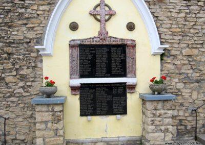 Lókút világháborús emlékmű 2010.07.24. küldő-kalyhas (3)