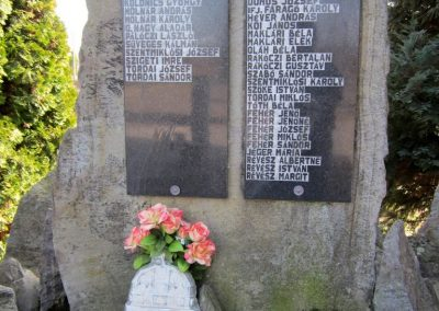 Lövőpetri világháborús emlékmű 2014.02.24. küldő-kalyhas (2)