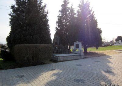 Lövőpetri világháborús emlékmű 2014.02.24. küldő-kalyhas (4)