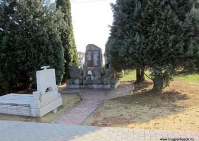 Lövőpetri világháborús emlékmű 2014.02.24. küldő-kalyhas