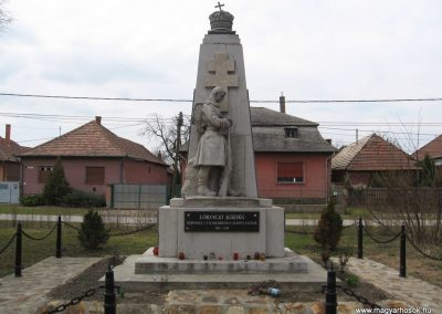 Lőrinci I.vh emlékmű 2009.03.27. küldő-kalyhas (1)