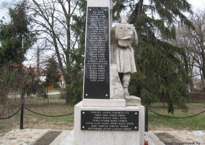 Lőrinci I.vh emlékmű 2009.03.27. küldő-kalyhas (4)