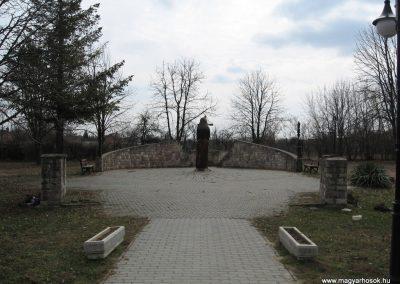 Lőrinci II.vh emlékmű 2009.03.27. küldő-kalyhas