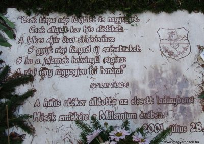 Ladánybene világháborús emlékmű 2007.11.13.küldő-Markó Péter (1)