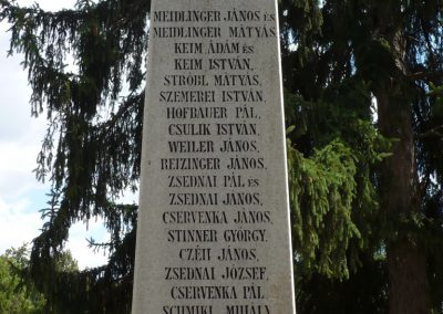 Lajoskomárom világháborús emlékmű 2009.07.26.külő-Ágca (1)