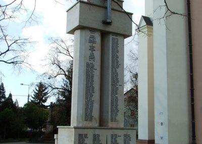 Lajosmizse világháborús emlékmű 2007.11.13.küldő-Markó Péter (1)