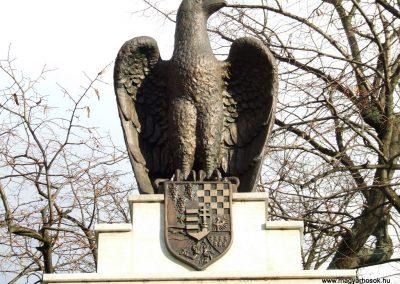 Lajosmizse világháborús emlékmű 2007.11.13.küldő-Markó Péter (2)