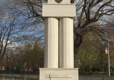 Lajosmizse világháborús emlékmű 2007.11.13.küldő-Markó Péter