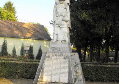 Lakócsa I. világháborús emlékmű 2012.08.01. küldő-KRySZ (4)