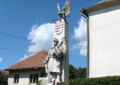 Lak világháborús emlékmű 2010.08.10. küldő-Gombóc Arthur (2)