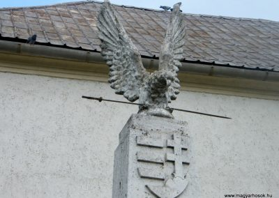 Lak világháborús emlékmű 2011.05.29. küldő-Röghegyiné Spisák Anita (1)
