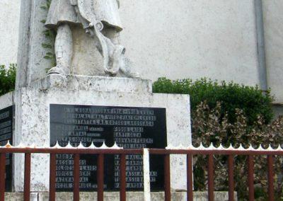 Lak világháborús emlékmű 2011.05.29. küldő-Röghegyiné Spisák Anita (4)