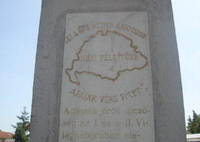 Lakihegy világháborús emlékmű 2008.05.27.küldő-Huszár Peti (1)