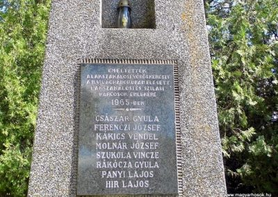 Lakszakállas II. világháborús emlékmű 2014.06.18. küldő-Méri (2)