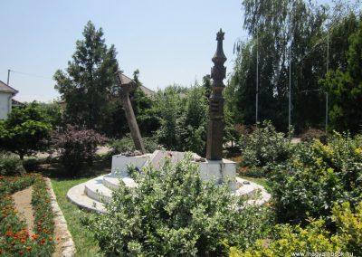 Laskod világháborús emlékmű 2013.07.08. küldő-kalyhas (14)