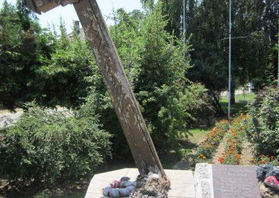 Laskod világháborús emlékmű 2013.07.08. küldő-kalyhas (3)