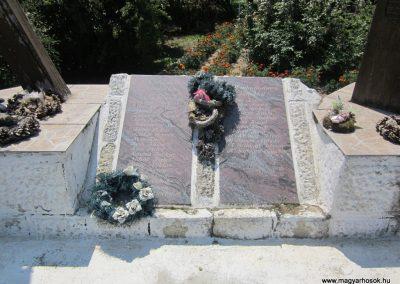 Laskod világháborús emlékmű 2013.07.08. küldő-kalyhas (5)