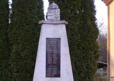 Lasztonya világháborús emlékmű 2009.10.31. küldő-SOLEN (1)