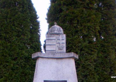 Lasztonya világháborús emlékmű 2009.10.31. küldő-SOLEN (2)