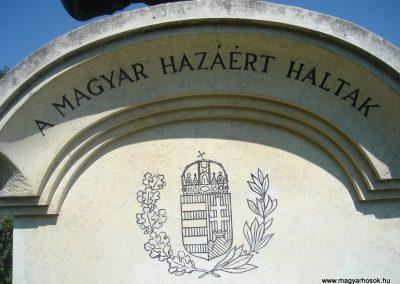Leányfalu világháborús emlékmű 2008.07.05.küldő-Huszár Peti (1)