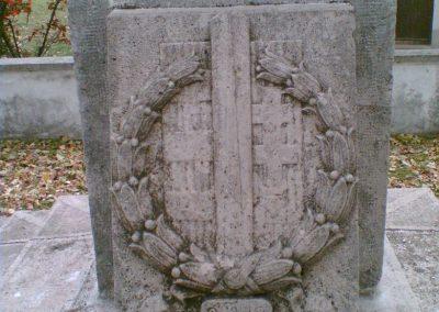 Leányvár világháborús emlékmű 2007.11.01.küldő-Zebi (2)