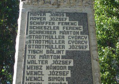 Leányvár világháborús emlékmű 2008.06.28.küldő-Huszár Peti (2)
