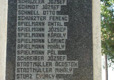 Leányvár világháborús emlékmű 2008.06.28.küldő-Huszár Peti (3)
