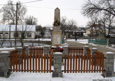 Legénd világháborús emlékmű 2010.01.26. küldő-kalyhas (6)