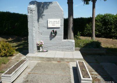 Lenti- Lentikápolna II. világháborús emlék 2012.05.09. küldő-Sümec (1)