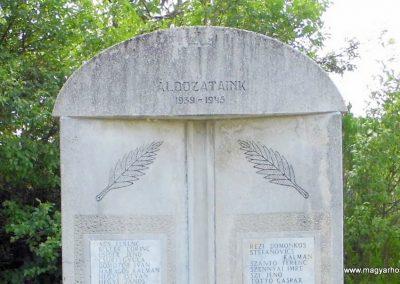 Lesencefalu világháborús emlékmű 2013.07.05. küldő-Méri (1)