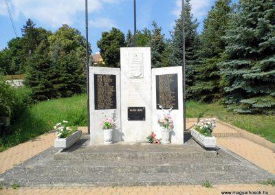 Lesencetomaj világháborús emlékmű 2013.07.05. küldő-Méri