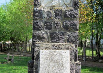 Levelek I.világháborús emlékmű 2012.04.27. küldő-kalyhas (3)
