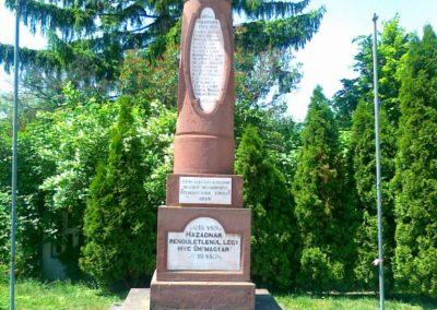 Litér világháborús emlékmű 2011.05.26. küldő-Csiszár Lehel (1)
