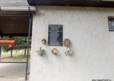 Litka világháborús emléktábla 2015.08.23. küldő-kalyhas (2)