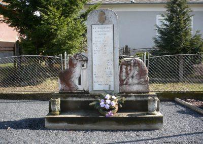 Lovászi II.vh emlékmű 2009.03.06.küldő-Sümec (1)