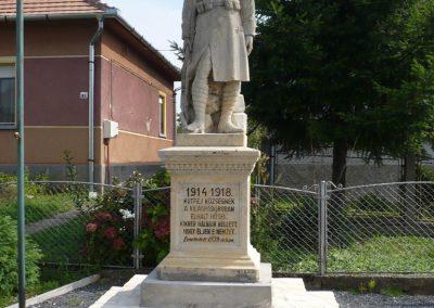 Lovászi emlékművei felújítás után 2009.09.16. küldő-Sümec