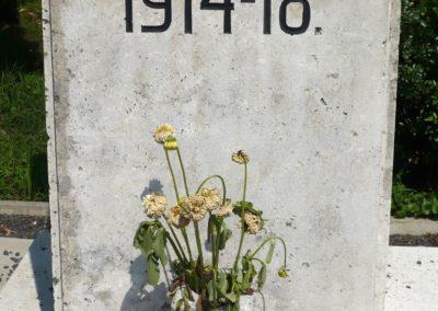 Lovászi világháborús emlékművek 2010.08.13. küldő-Sümec (3)