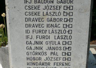 Lovászi világháborús emlékművek 2010.08.13. küldő-Sümec (4)