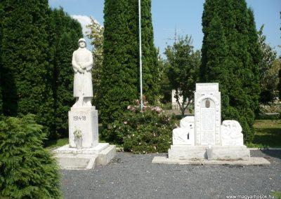 Lovászi világháborús emlékművek 2010.08.13. küldő-Sümec