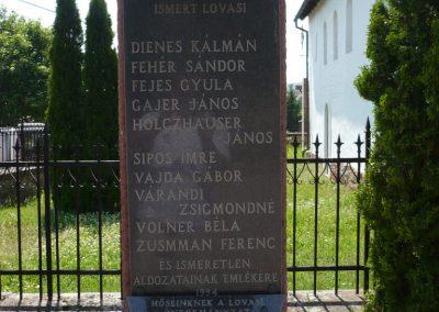 Lovas II.vh emlékmű 2009.05.17.küldő-Sümec (2)