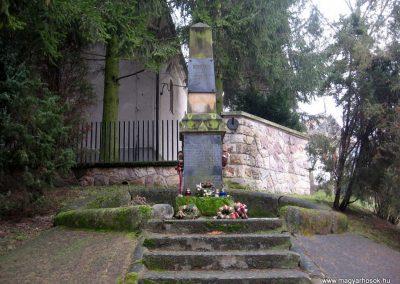 Lucfalva világháborús emlékmű 2011.02.19. küldő-kalyhas (2)